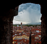 Rainsquall in Lucca, Giungi Tower